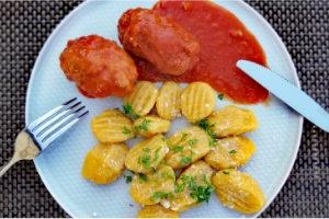 Soudzukakia - aromatyczne klopsy w sosie pomidorowym